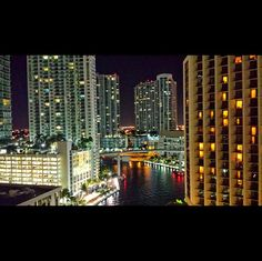 Enjoy the buzzing nightlife of #Miami, #Florida. Photo courtesy of agemini_inwanderlust on Instagram.