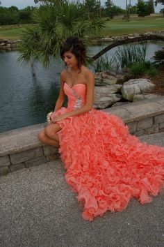 Love this prom dress.