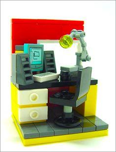 Nice #microscale #LEGO #minifig work space.