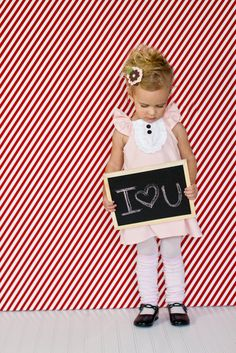 Love this idea for Valentine's Day or 1 year pictures