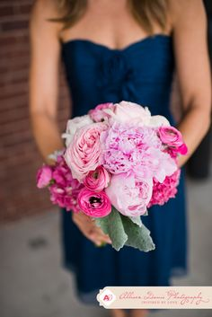 pink and fuchsia bouquet, Navy and Pink wedding