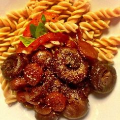 Quick & easy mushrooms in red wine with pasta recipe. See a delicious recipe for mushrooms in a red wine sauce. Served with pasta this is a delicious meat-free meal and also makes a tasty side dish.