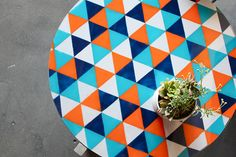 tafel_Kara Paslay coffee tables, craft, glasses, triangles, painted tables, paint glass, design, diy projects, kitchen tabl
