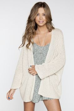 Brandy Melville #oversized #cardigan #sweater #knits #cozy #comfy #relaxed #lounging #loungewear #effortless #casual #outfit #dress #clothes #waves #beachhair #simple