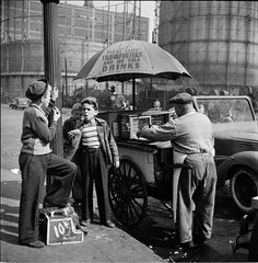 NYC.  Shoe Shine Boys  – 1947 Stanley Kubrick's New York: Life in the 40s