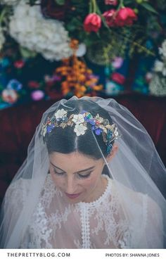 Long veil and floral