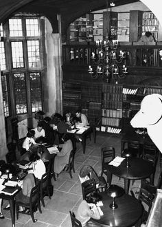 The main floor of Coe Hall consisted of a dining hall, a cafeteria, an all-purpose room, a coffee shop, a lounge, a library, and the Great Hall. Massive portraits, rich tapestries, and moose and elk heads adorned the first floor walls (credit: University Archives, Stony Brook University).