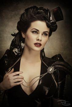steampunk model, neovictorian goth, steampunk women, hat
