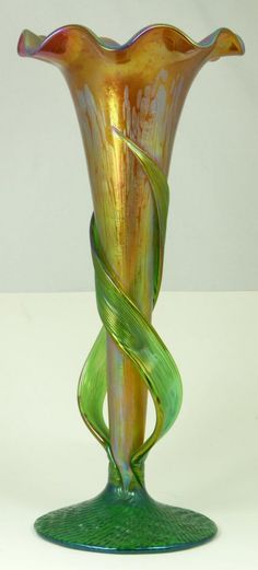 ART NOUVEAU FLORIFORM IRIDESCENT GLASS VASE