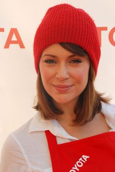 Alyssa Milanos cool hat hairstyle