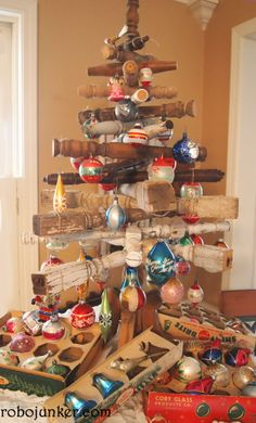 Flea Market Style: A Flea Marketeer's Christmas Tree! Margo's tree 2012