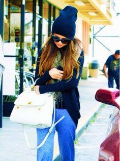 How to Chic: SELENA GOMEZ - STREET STYLE