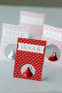 Printable Valentines Day cards for Hershey Kisses, learn more at www.momdot.com