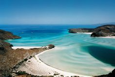 If you want to explore, Balandra beach in #LaPaz is the perfect white sand destination.