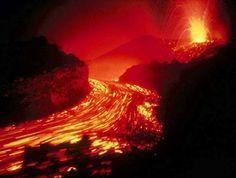 erupciones volcanicas (rio de lava)