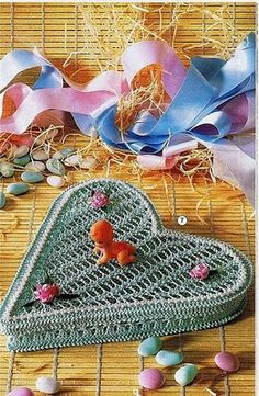 Crochet heart box ♥LCH-MRS♥ with diagram.