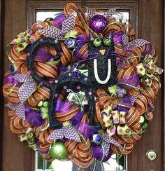 30 Deco Mesh BIG BLACK CAT Halloween Wreath by decoglitz on Etsy