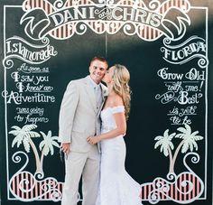 chalkboard photobooth wall | Erika Delgado #wedding