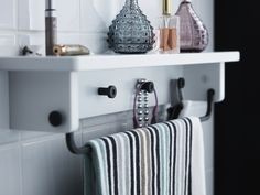 Hooks and rails are a necessity in a bathroom. Where to hang your towel, clothes and anything else you can?! The HJÄLMAREN range has many different kinds of hanging systems in a variety of colours. The solution to your hook hang-up.