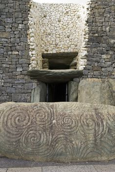 Petrogyphs at the entrance of Newgrange, a 5000 year old passage tomb. Brugh na Boinne, County Meath, Ireland