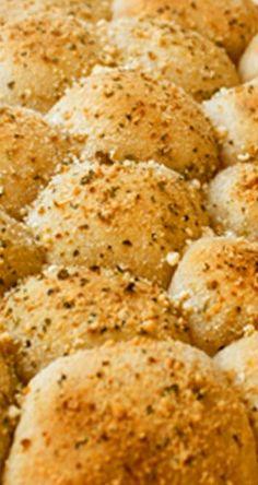 Stuffed Pizza Bites   gimmesomeoven.com