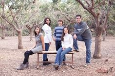Family Portrait Poses For 6 Teens