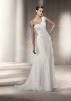 PRONOVIAS PASEO from www.BridalGown.NET $1,531