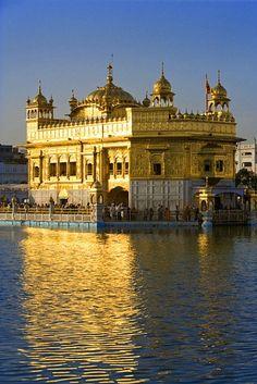 Sikh Golden Temple at sunset, Amritsar, Punjab, India