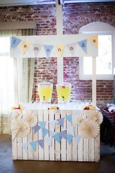 Perfect for a backyard or carnival themed wedding from www.mybridestory.com