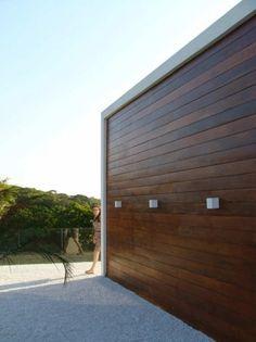 Urban Recycle - Bromelia House