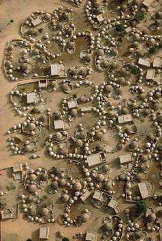 Georg Gerster, Aerial view of Labbezanga near the Mali-Niger border. 1972