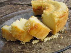 Bolo queijadinha - Brazilian coconut cake.