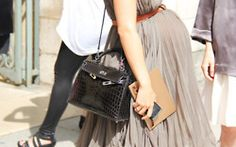 Sale:   Alligator leather handbags on sale up to 85% off retail