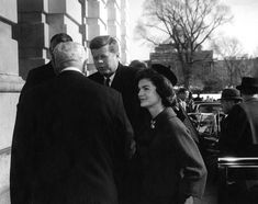 President and Mrs. Kennedy arrive at Capitol Hill for the 1961 State of the Union mesage to Congress. www.pinkpillbox.com