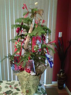 Christmas Gift Card Tree for Mom and Dad (2011)