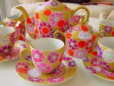 Hand painted tea set by Nini Violette. nini-violette.blogspot.com.es www.flickr.com/photos/niniviolette/