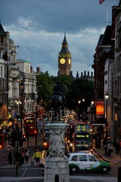 Trafalgar Square, London, England #travel #quotes #travelinspiration