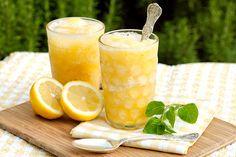 Sunshine Slush - simple syrup, fresh bananas, frozen concentrates of orange juice & lemonade, pineapple juice, a dash of fresh lemon, and club soda. #summertime #drinks #partyideas