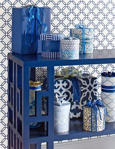 Chinoiserie Chic: A Chinoiserie Christmas - Wrapping Gifts