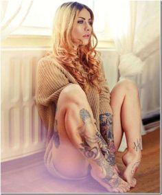This pic makes me consider a shin tattoo. Very pretty.