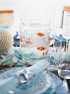 Goldfish Centerpiece. Oh my goodness. Please??