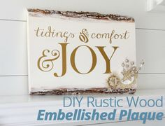 Loving this #DIY #Rustic Wood Embellished #Holiday Plaque. Tutorial here!