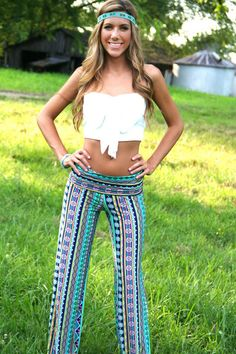 Awesome website for yoga pants and dresses!..love this outfit. ..now that I'm home I just wanna shop lol