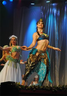 Elizabeth Strong performing in Belly Dance Evolution