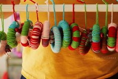 Handmade Yarn Wreath Ornaments Tutorial