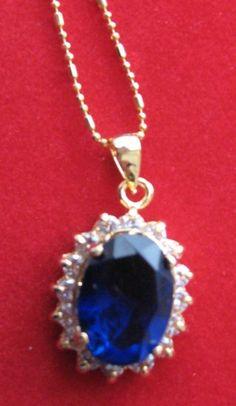 Looks like Kate Middleton's ring :) http://www.mood-ringcolormeanings.com/kate-middleton-ring.html
