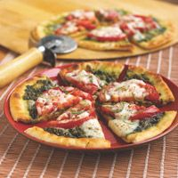 Easy Tomato Basil Flatbread Pizza
