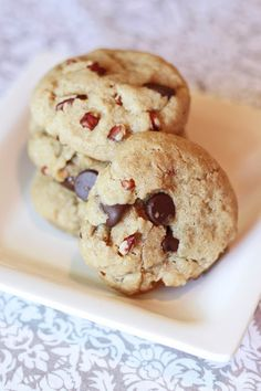 gluten free vegan chocolate chip pecan cookies #cookies #diet #paleo #recipes paleoaholic.com