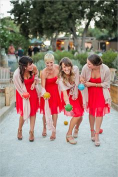 Loving these fun colors and the tan shawls are the perfect accent :: Weddings | Events | Shawls | Blankets