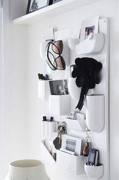 Organizer in white